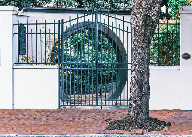 Savannah Georgia / Garden For The Arts