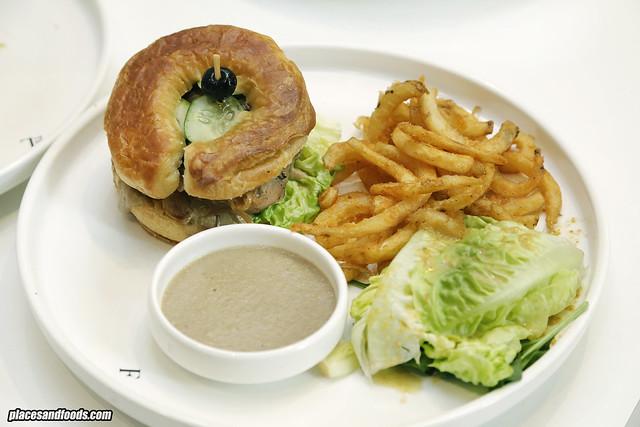 the loaf kecek kelate burger