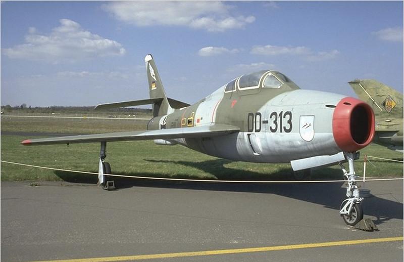 Repubblica F-84F