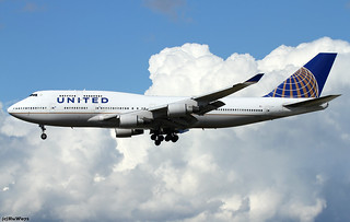 United Airlines Boeing 747-422 N181UA