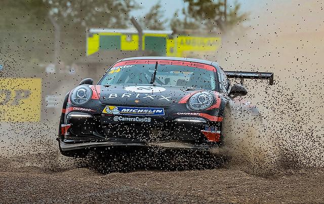 Low flying Porsche