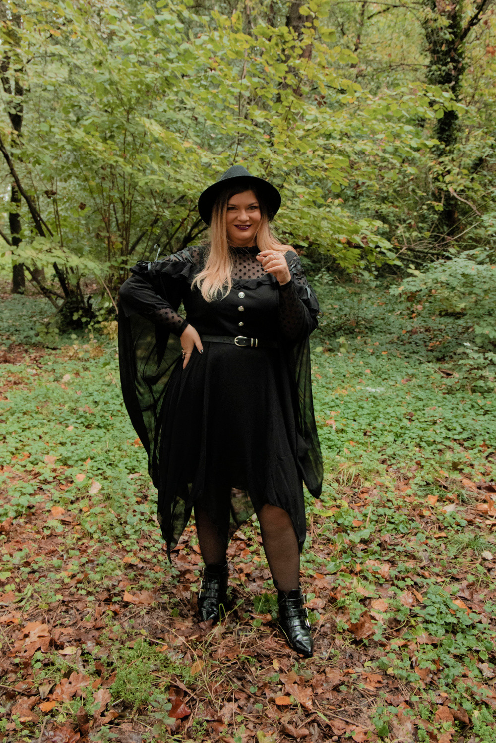 outfit curvy plus size halloween carnevale strega (3)