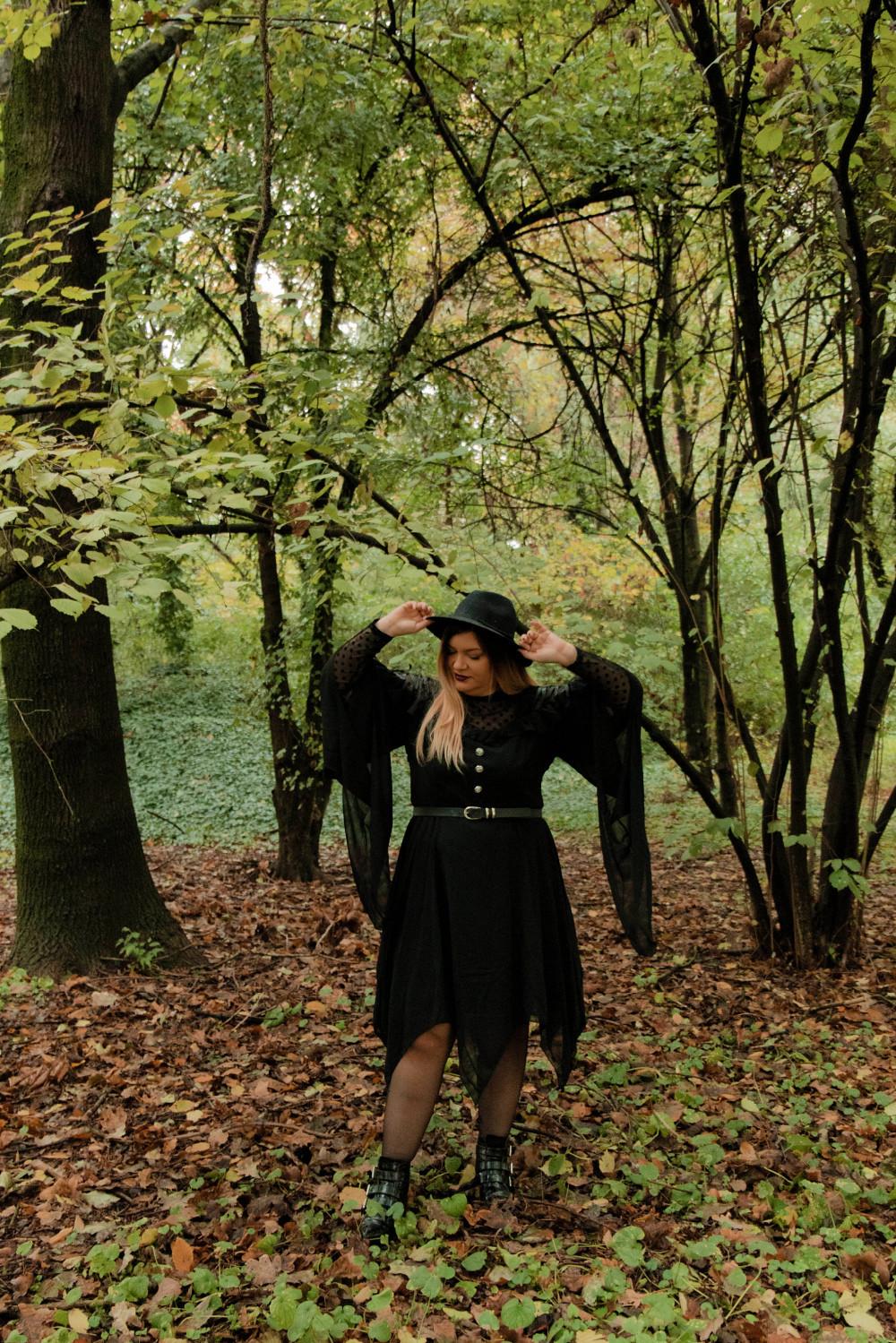 outfit curvy plus size halloween carnevale strega (6)