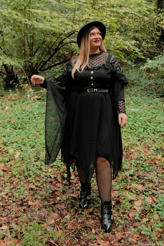 outfit curvy plus size halloween carnevale strega (4)