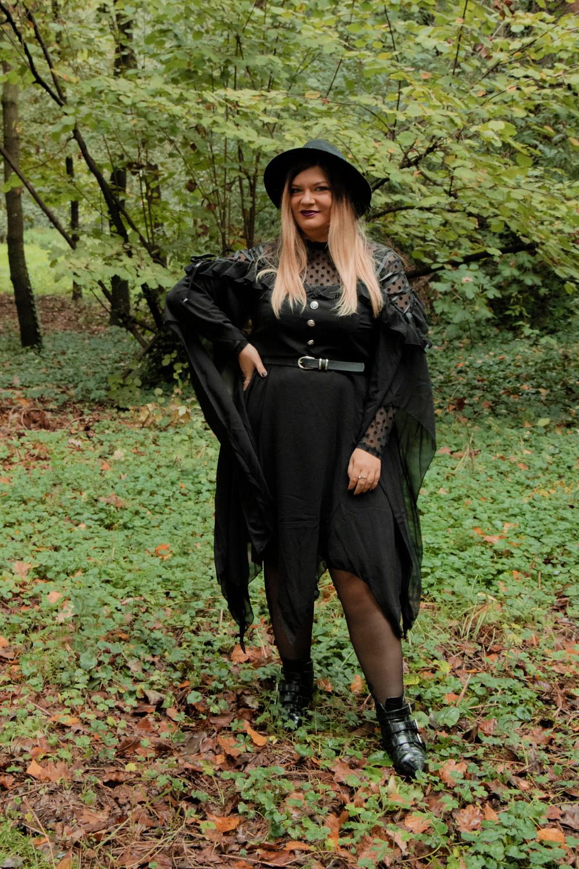 outfit curvy plus size halloween carnevale strega (5)