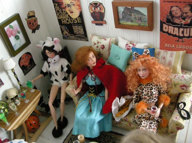 Kai, Angelique and Gretchen, as Leopard Woman, on the right.