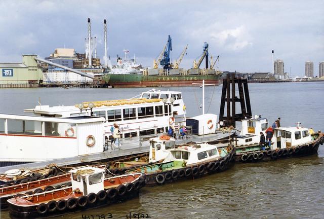 Pier, River Thames, Silvertown,  New Charlton, Greenwich, 1992 TQ4179-002