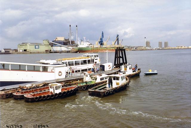Pier, River Thames, Silvertown,  New Charlton, Greenwich, 1992 TQ4179-001