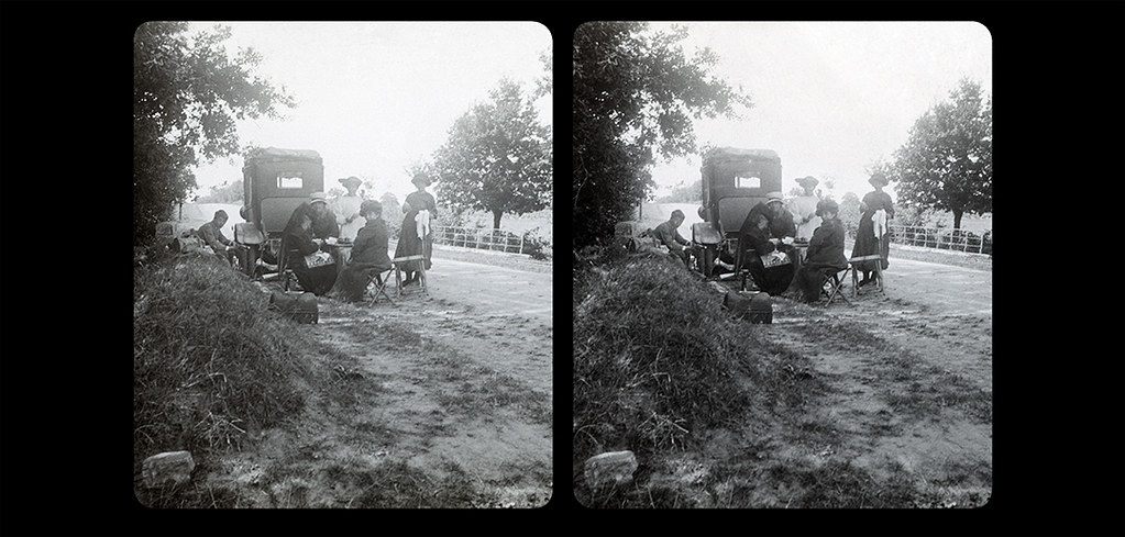 Small Picnic by the side of the road-05-1920