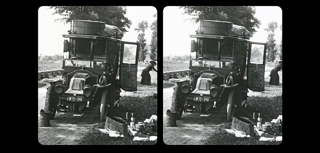 Small Picnic by the side of the road-03b-1910