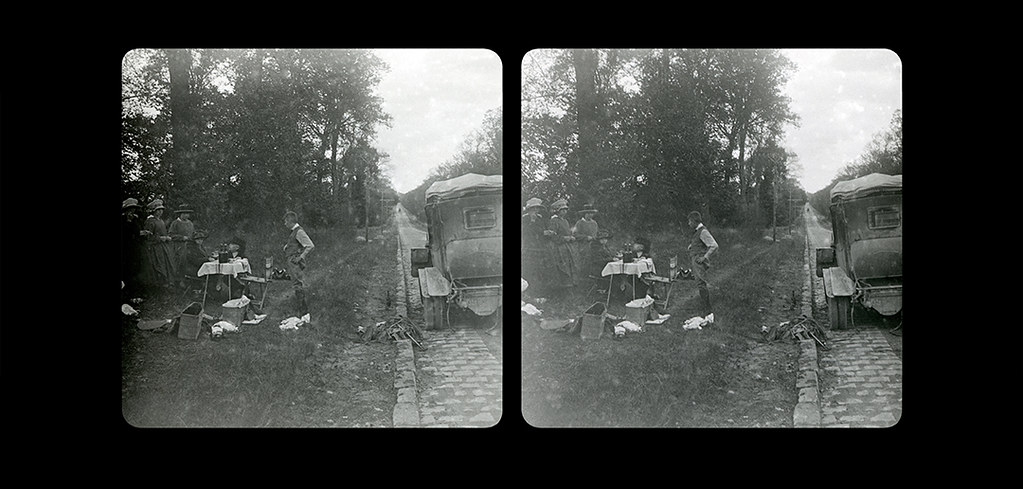 Small Picnic by the side of the road-04-1920