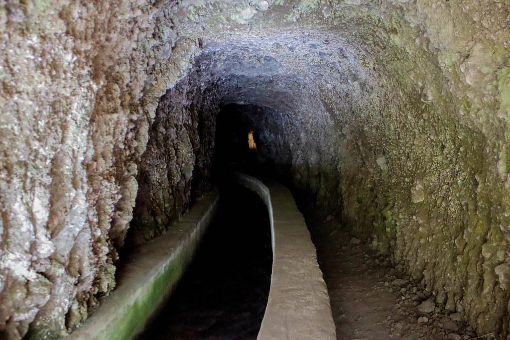 Interior de uno de los túneles de Marcos y Cordero