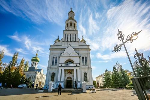 14 октября 2020, В праздник Покрова Пресвятой Богородицы митрополит Кирилл совершил Литургию в Покровском соборе Невинномысска
