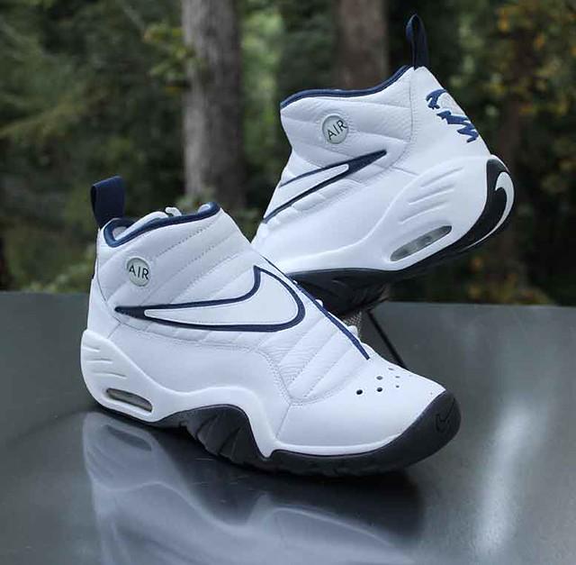 Nike Air Shake NDestrukt Men's Size 10 White Navy Dennis Rodman 880869-102