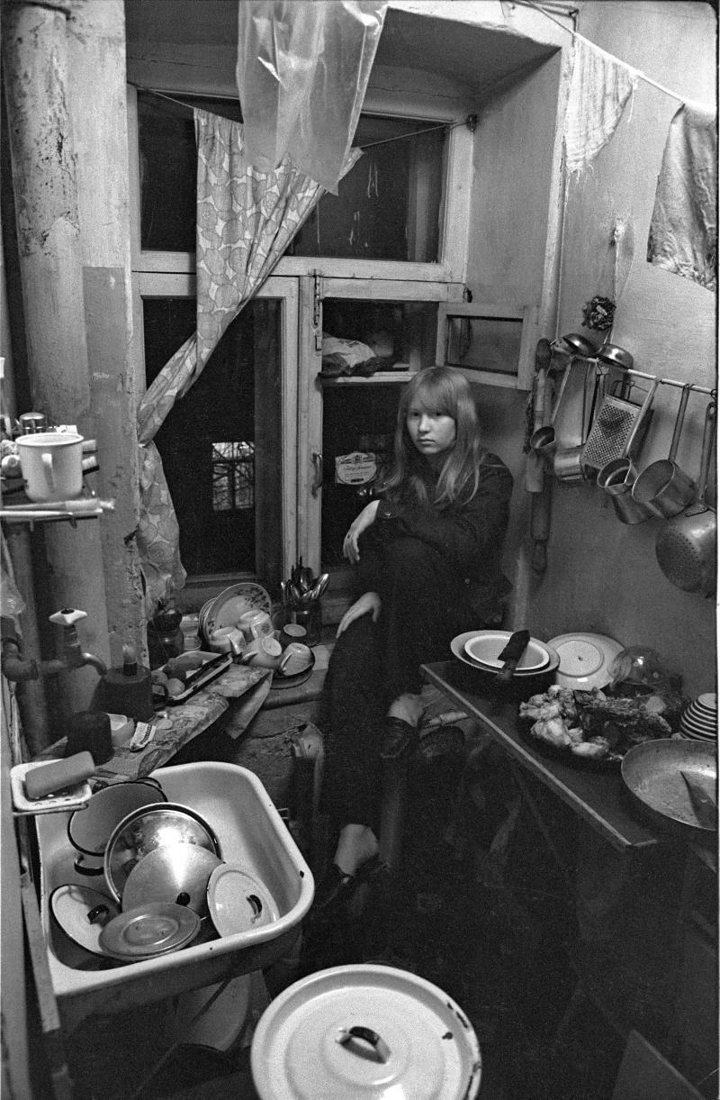 1970-е. Таня Гусева на кухне в коммуналке