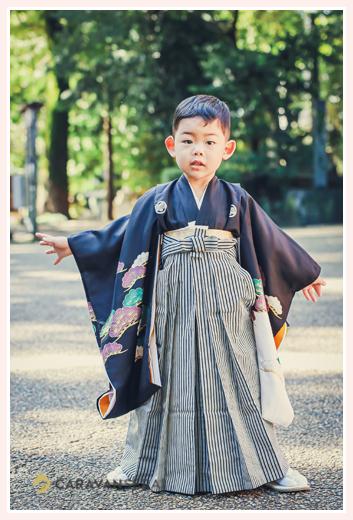 七五三 黒の羽織袴姿の男の子