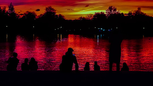 silhouettes lakeside retiro sunset red trees photographer color