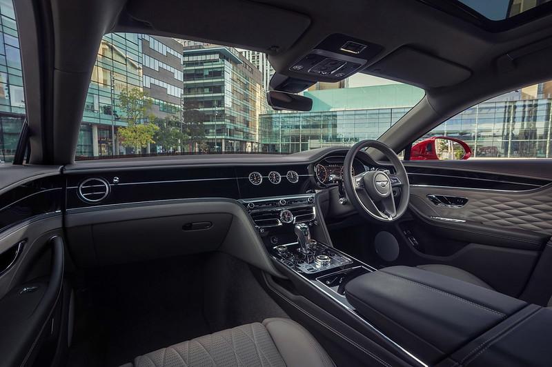 Bentley-Flying-Spur-V8-15