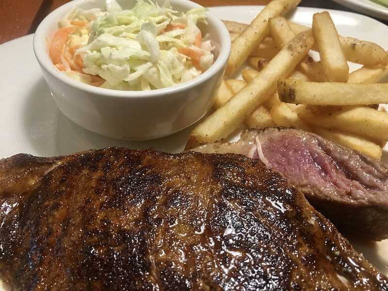 Outback Steakhouse, MOA Complex