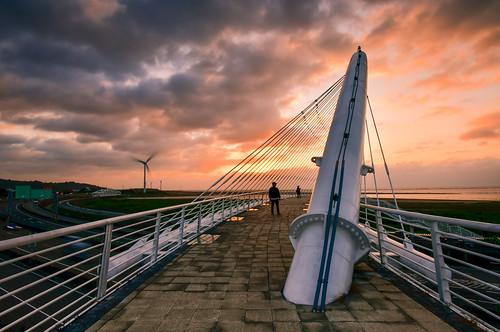 taiwan hsinchu siangshanwetland outdoors sunset sky cloud bridge westcoast 台灣 新竹縣 香山區 豎琴橋 夕陽 火燒雲 西濱公路 西濱 香山溼地