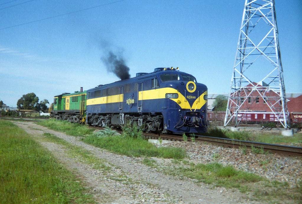 Clean 961 in Explorer scheme by David Arnold