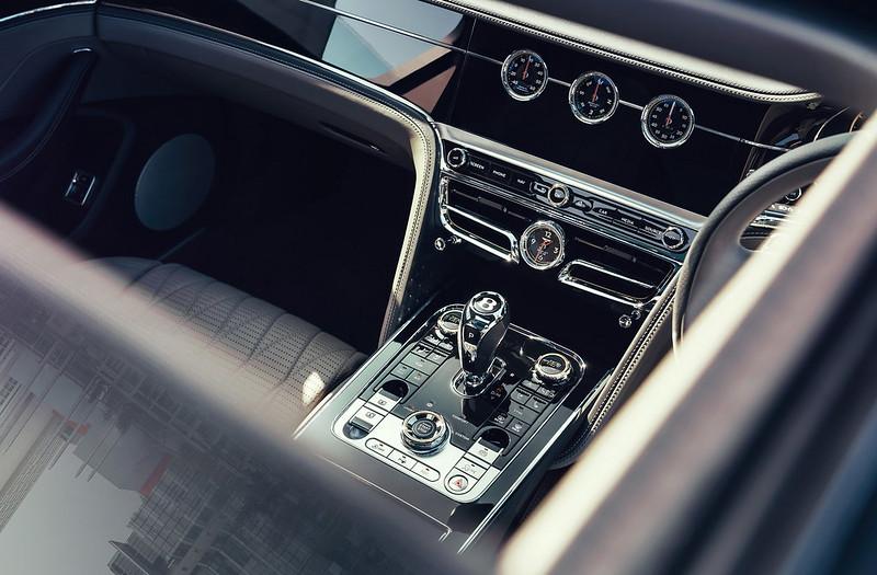 Bentley-Flying-Spur-V8-18