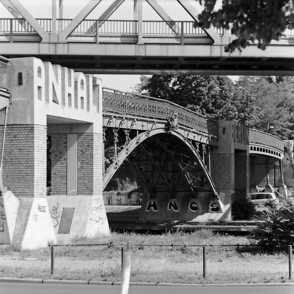 Brücke Berlin Kreuzberg  Landwehrkanal 31.7.2020