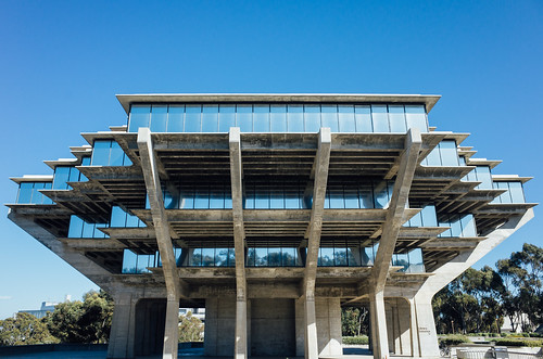 Side-on perspective of The Geisel Library, San Diego