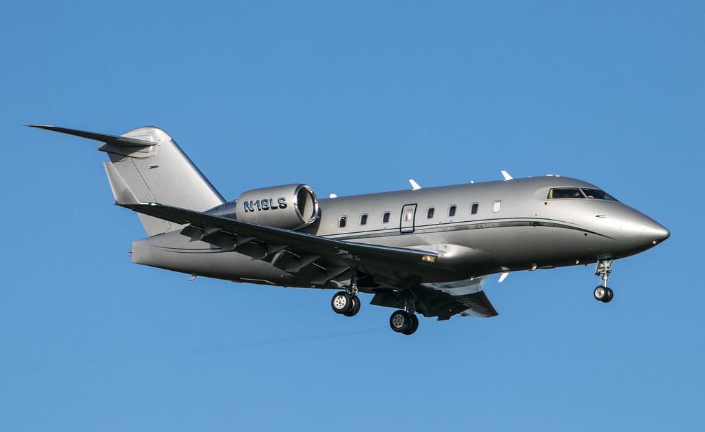 Bombardier Challenger 604 - N18LS