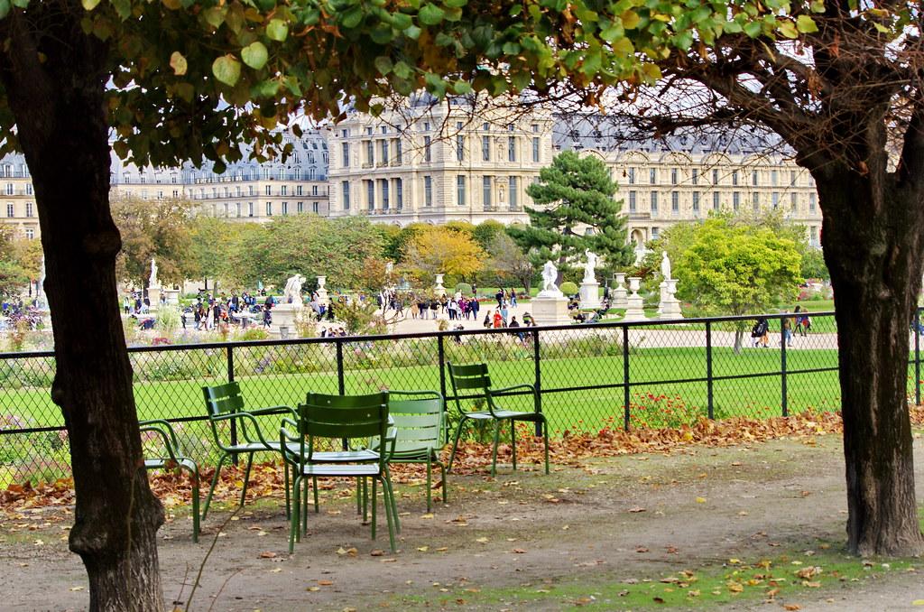 36 - Paris Octobre 2020 - les chaises vertes du Jardin des Tuileries