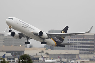 N343UP Boeing 767-300ER UPS Los Angeles Airport KLAX 12.09-18