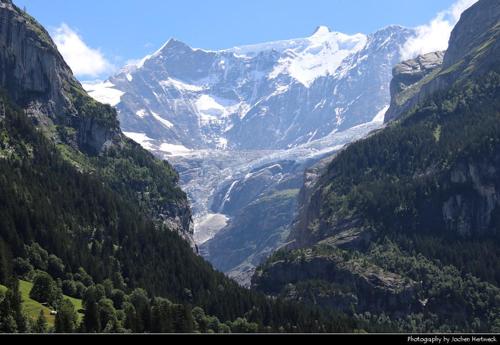 Eiger, Grosses Fiescherhorn & Unterer Grindelwaldgletscher, Grindelwald, Switzerland