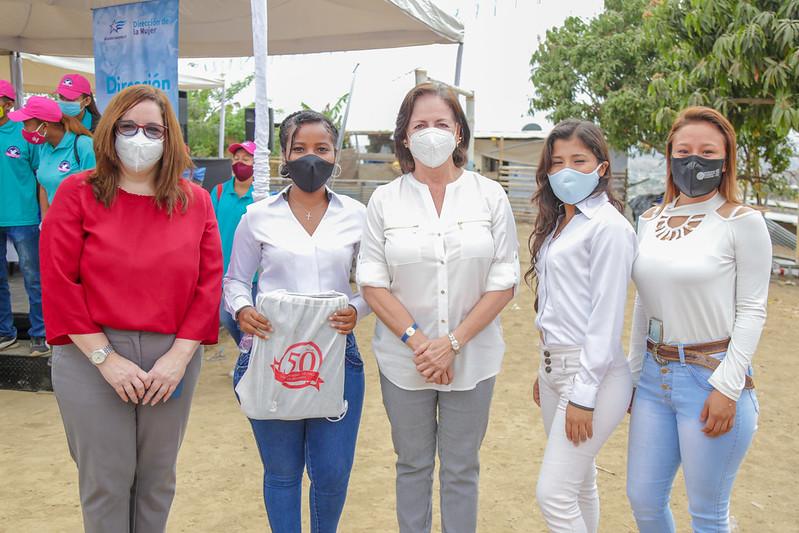 Firma de convenio con el municipio de Guayaquil - Educando en el Camino