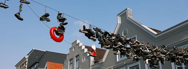 Die aufgehängten Schuhe in der Norderstraße