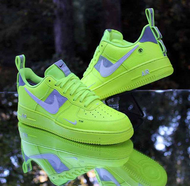 Nike Air Force 1 '07 LV8 Utility Men's Size 9.5 Overbranding Volt AJ7747-700
