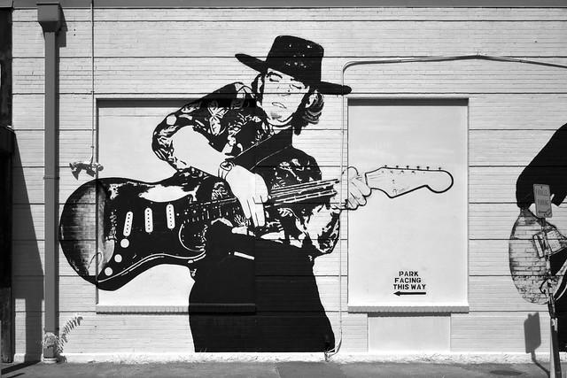 Mural of Stevie Ray Vaughan at Rockin' Robin Guitars (infrared)