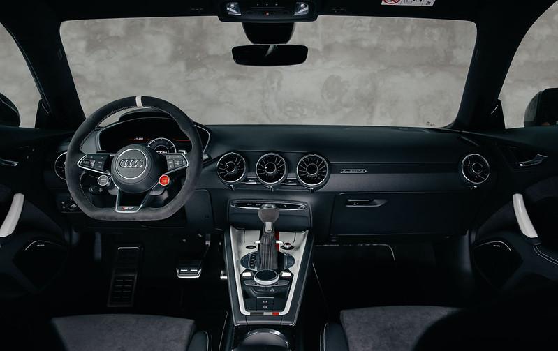 2021-Audi-TT-RS-40-years-of-quattro-Edition-8 (1)