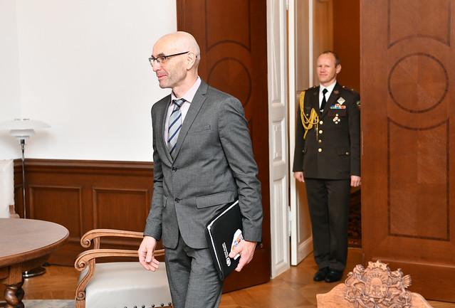 16.10.2020. Valsts prezidents Egils Levits tiekas ar Pasaules Veselības organizācijas pārstāvniecības Latvijā vadītāju Uldi Mitenbergu