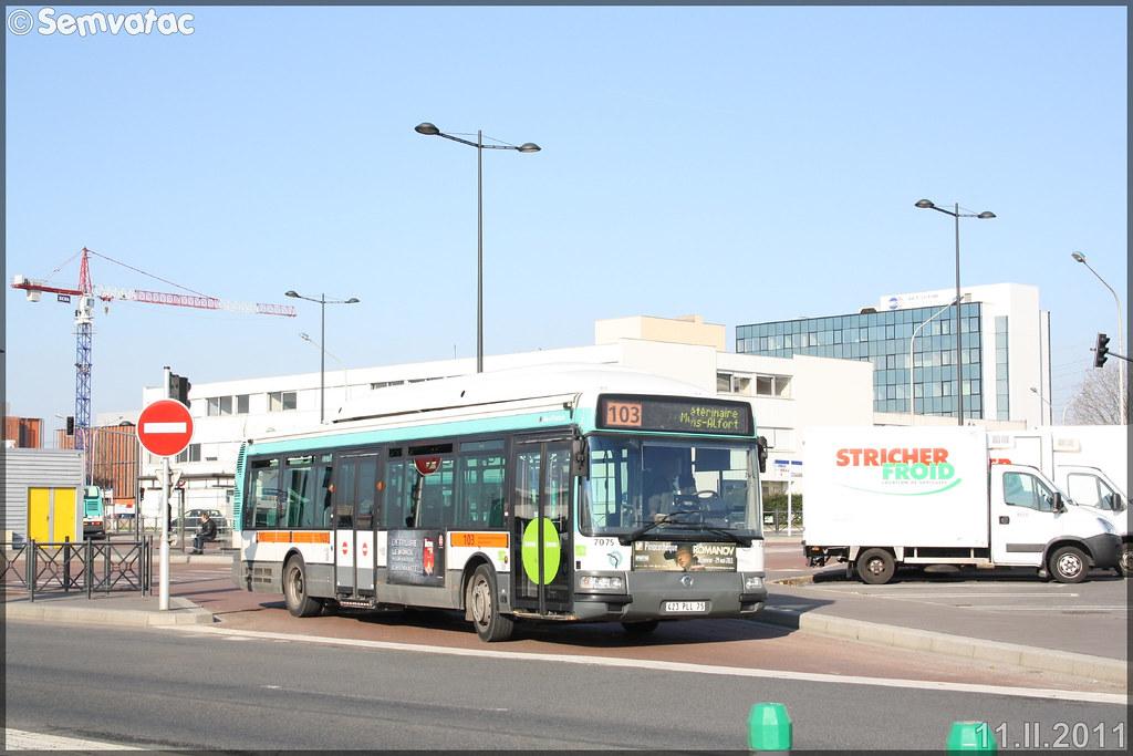 Irisbus Agora S – RATP (Régie Autonome des Transports Parisiens) / STIF (Syndicat des Transports d'Île-de-France) n°7075