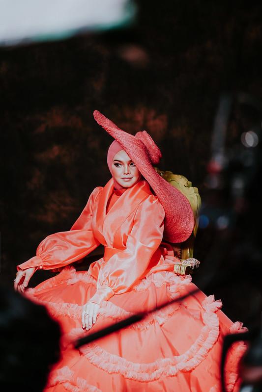Dato' Sri Siti Nurhaliza Lancar  Video Muzik SIAPA TAK MAHU