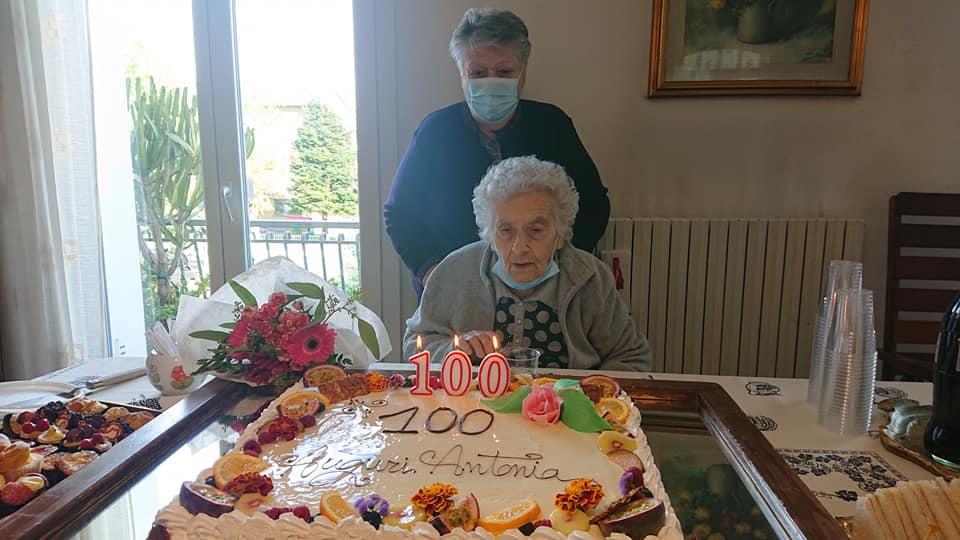 Nuova centenaria a castello: Antonia Morsiani compie cent'anni