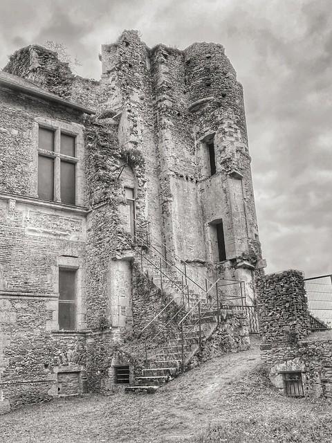 Aujourd'hui, promenade au Château de Gonord