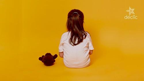 Votați Legea adopțiilor! 54.000 de copii vor o familie.