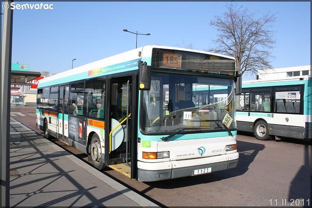 Heuliez Bus GX 317 (Renault Citybus) – RATP (Régie Autonome des Transports Parisiens) / STIF (Syndicat des Transports d'Île-de-France) n°1123
