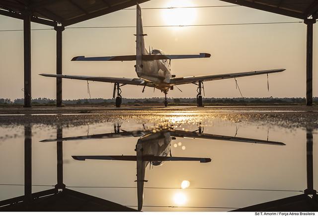 T-27 ao se pôr do sol