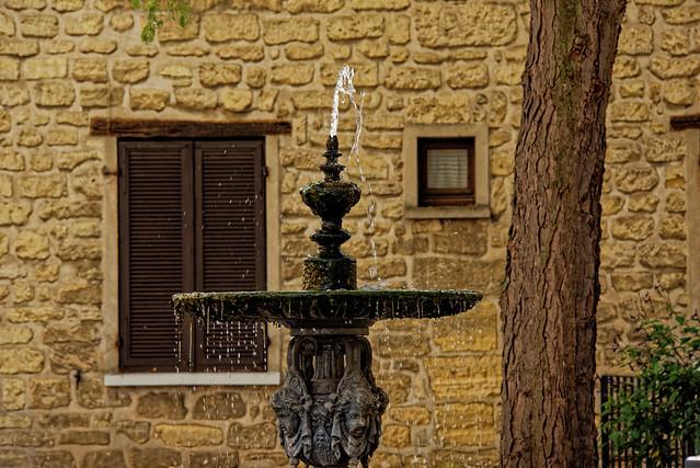 Fontaine de village