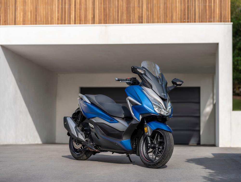 Honda Forza 350 Blue
