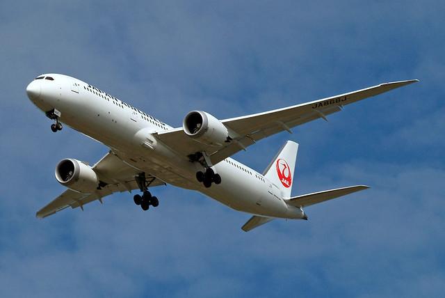 JA868J   Boeing 787-9 Dreamliner [34845] (Japan Airlines) Home~G 26/04/2020