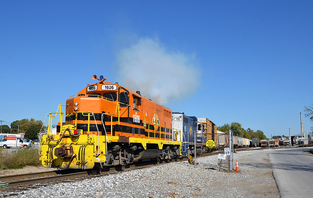 2020 10-09 1451-5 YRC GP16-1606, GP10-1755 Switching West York, PA