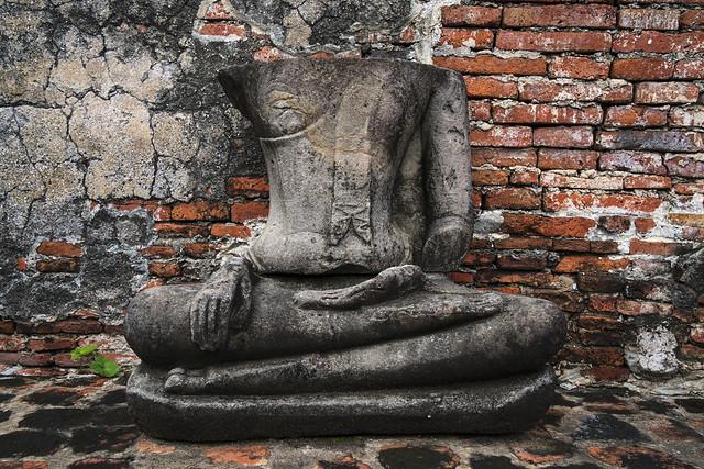 Buddha at Wat Nok 12a